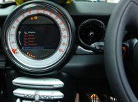 Mini iPod info on screen