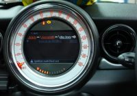 Mini iPod on navigation screen
