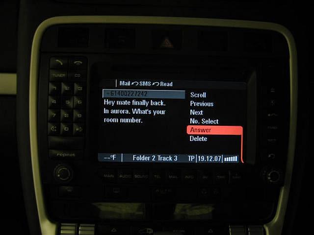 Porsche PCM reading SMS (2)